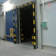 Doors for industrial cold rooms